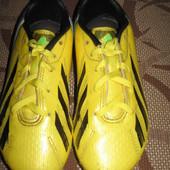 Бутси (копочки, бутсы) Adidas 32 р. стелька 20 см. Камбоджа