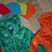 Яркий деми куртки в наличии