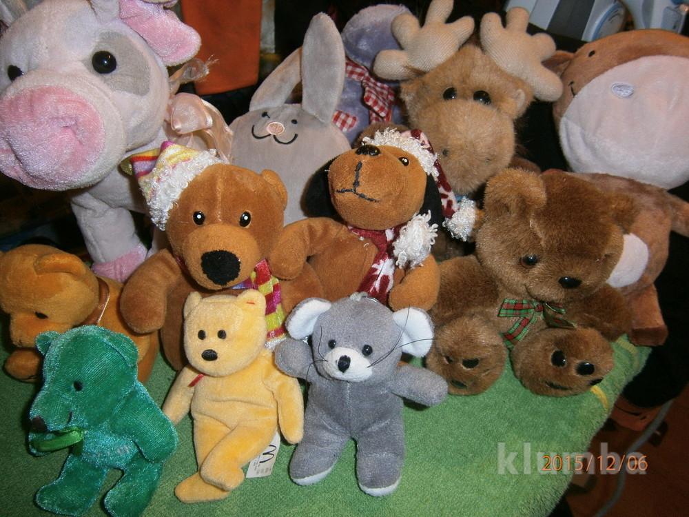 Мягкие игрушки моей дочки. отличные. фото №1