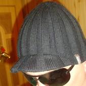Фірмова зимняя шапка  шапочка Barts.