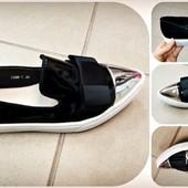 Шикарные туфли лоферы слипоны на белой подошве Черные