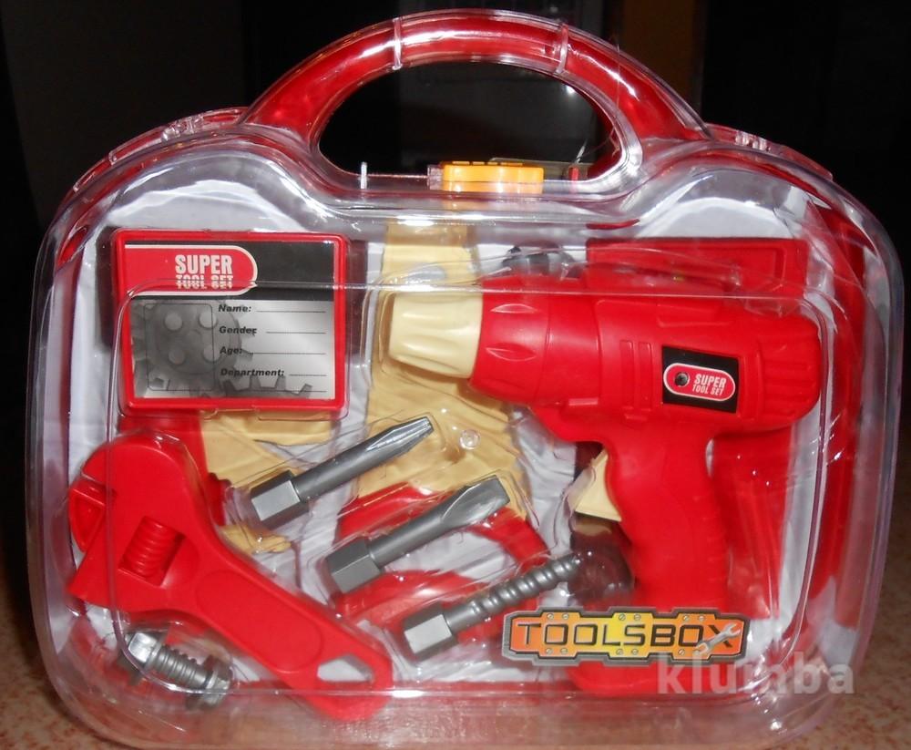 Инструменты в пластиковом чемодане фото №1