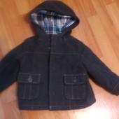 Фирменное пальто  на мальчика демисозонное