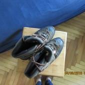 Подростковые демисезонные ботинки на стельку 26.5см.б.у. Есть нюансы видно на фото.