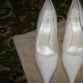 Туфли лакированные 37 р