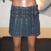 Юбка джинс с ремешками,р.40.