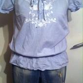 Стильная блуза с вышивкой