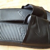 Резиновые шлёпки-чёрные Nike(оригинал)р.48-32см.