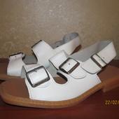 Продам кожаные мужские сандалии р 42 Новые