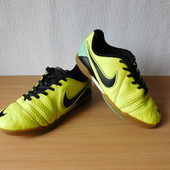 Кроссовки бутсы Nike 35,5 р., на стопу до 23 см