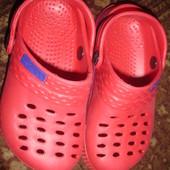 Фирменные новые босоножки кроксы унисекс на 26,5 размер