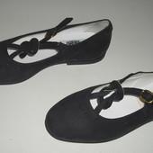Туфельки 28 розмір  асортименті Італія шкіра