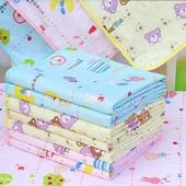 Пеленка непромокаемая Yiya Panda разные цвета