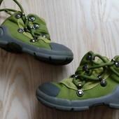 Крутезні черевички 22 розмір, устілка 14 см.