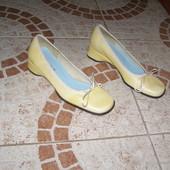 Туфельки Status жовті шкіра 35 22 см розмір