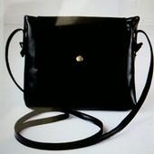 Компактная черная сумочка на плече, новая