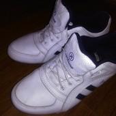 Кожаные кроссовки 23.5 см, отличное состояние