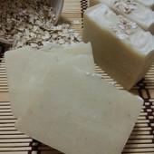 100% натуральне мило на козиному молоці з вівсяною пудрою для чутливої шкіри