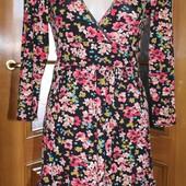 Трикотажное милое платье Warehouse
