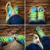 Легкие, летние, яркие кроссовки