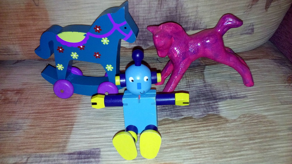 Деревянные игрушки машинка робот фото №1