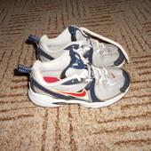 Nike оригинал.Размер 30