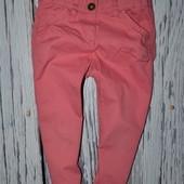 5 лет 110 см Очень классные фирменные джинсы брюки модным узкачи Next Некст