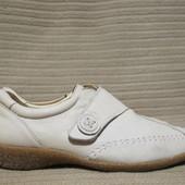 Очень легкие кожаные закрытые туфельки цвета топленого молока ACO. Португалия. 38 р