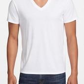 Стильная мужская футболка с V-образным вырезом от Topman