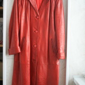 Красный кожаный плащ-пальто на 48-50-52р. кожа лайка