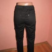 укороченные брюки р-р 36,TCM,сост новых