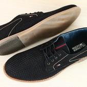 Мужские туфли из нубука черного цвета с перфорацией