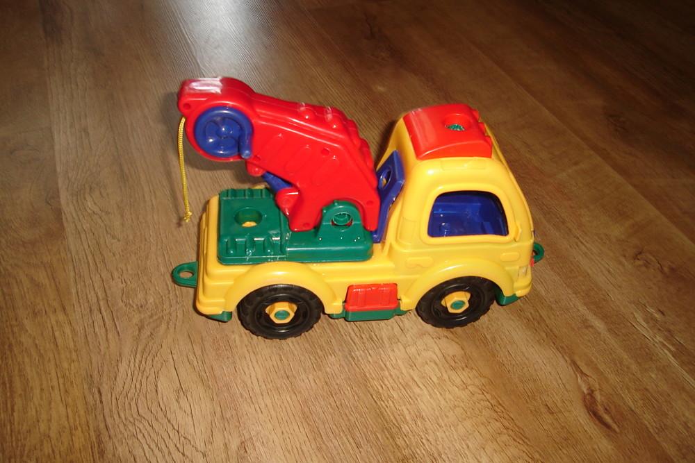 Машина  кран 29*20 хороший добротный пластик фото №1
