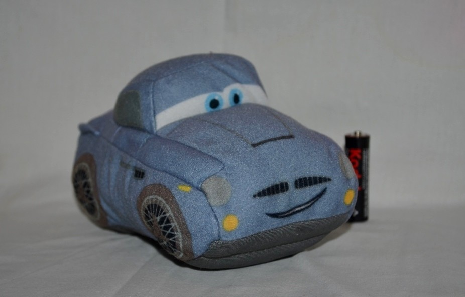Маленькая машинка мягкая игрушка из мультика тачки фото №1