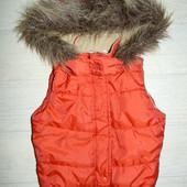 Красная жилетка George 6-7 лет