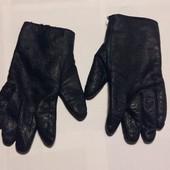 Кожанные перчатки, нюансы видно на фото