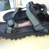 Фірмові стильні босоножки-сандалии бренд Pataugas.42 .