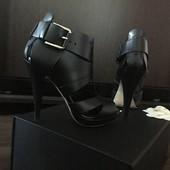 Продам кож.босоножки ALDO черн.цвета в отличном состоянии