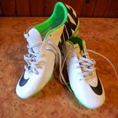 Бутси (Nike) в хорошому стані(40,5р)