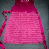 платье фирменное на 4 года