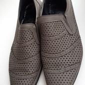 Мужские туфли в дырочку 43 р.