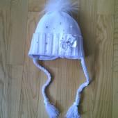 Красивая шапочка для девочки на объем 51-53 см