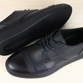 Спортивные туфли кожаные черные ,синие на шнурках
