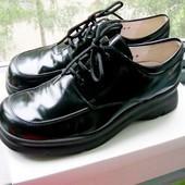 Чёрные глянцевые туфли на грубой подошве, кожа, р.37