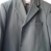 Мужской классический костюм 48-50 размер
