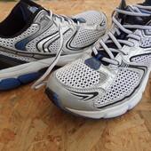 Фирменные кроссовки Force-размер 40-41-длина стельки-26,5 см