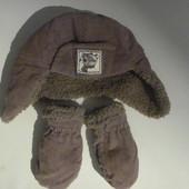 очаровательный комплект ( шапка+рукавички) на 0-3 мес
