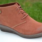 Clarks новые замшевые ботинки  36. 5, 37, 41, 42