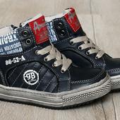 Демисезонные ботинки, кроссовки на мальчика 27 р. длина по стельке 17 см