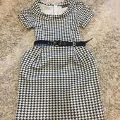Платье с коротким рукавом на весну